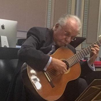 Pepe romero in action